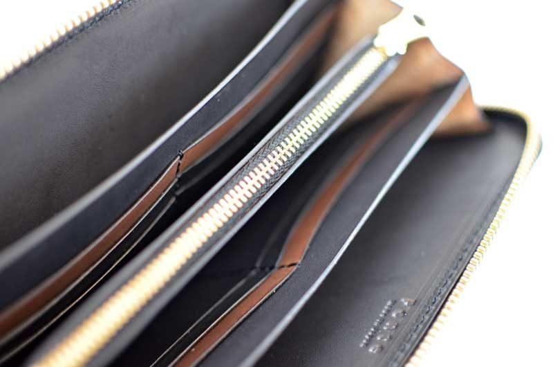 ファスナー財布