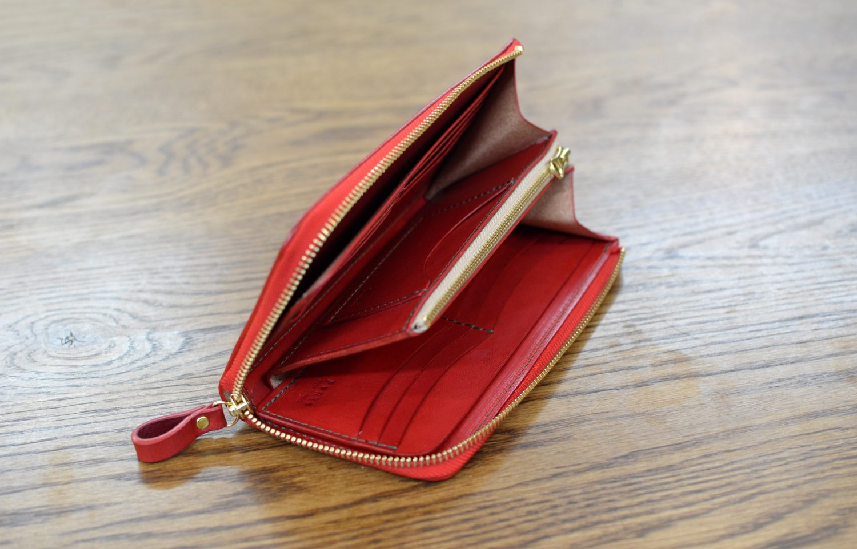赤 革財布
