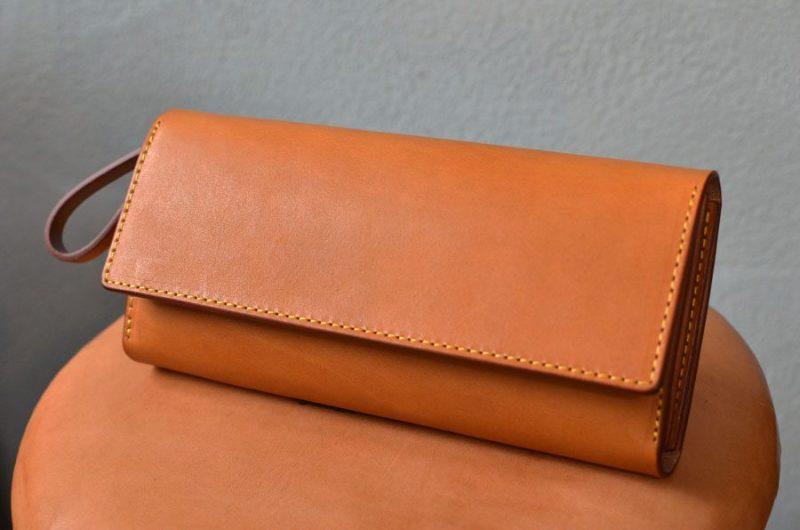 小銭が見やすいクラッチ財布