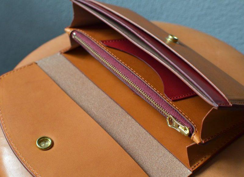 真鍮コンチョ長財布