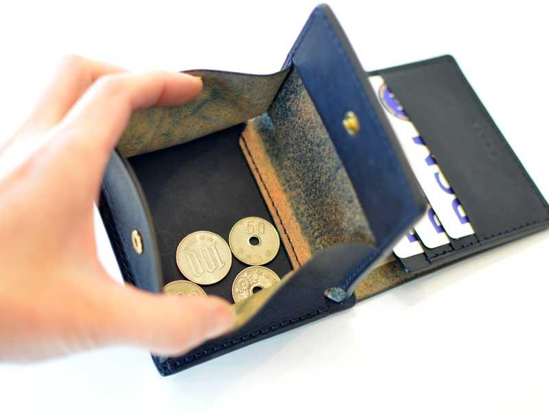 小銭は見やすいBOXタイプ。 お仕事、セカンド財布にいかがですか?
