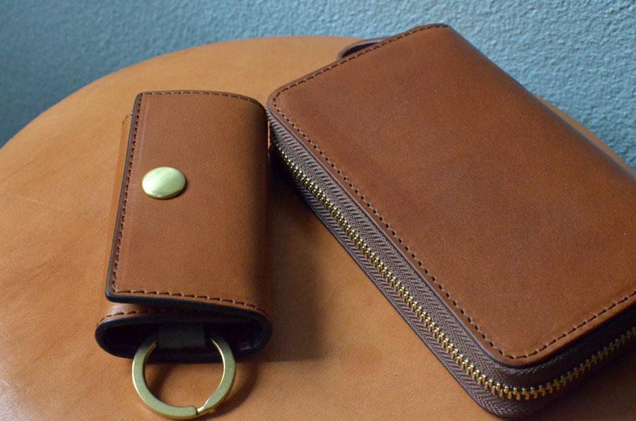 4連キーケース ファスナーミドル財布