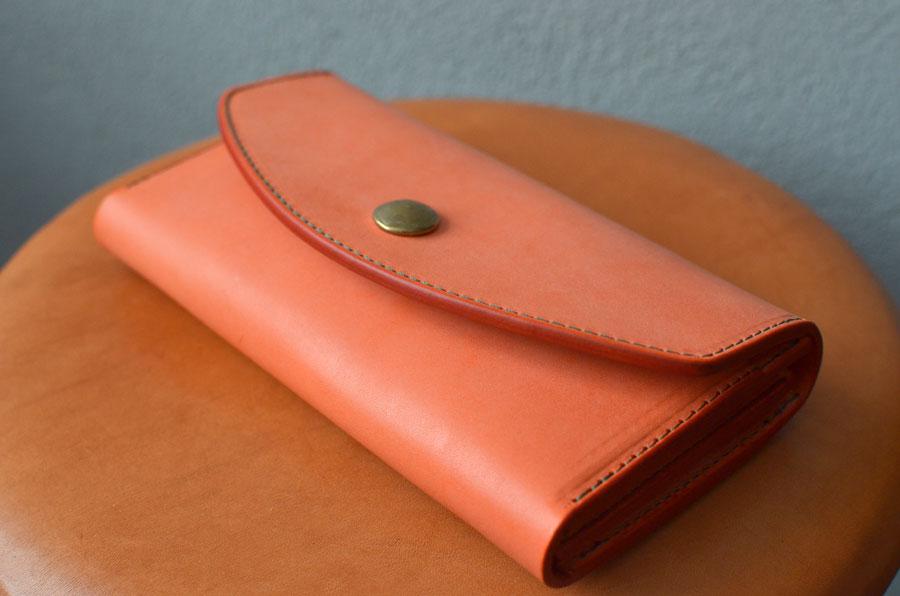 真鍮コンチョ長財布 オレンジ