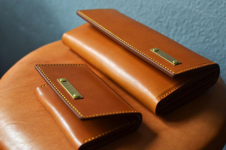 クラッチ財布と名刺