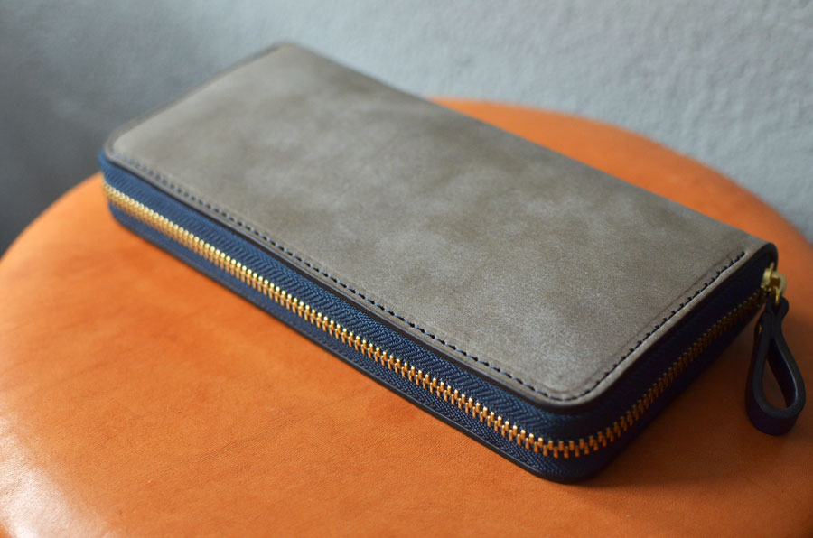 ラウンドファスナー財布 ブルームレザーグレー