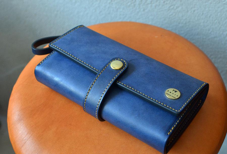ベルト付き小銭が見やすいクラッチ財布
