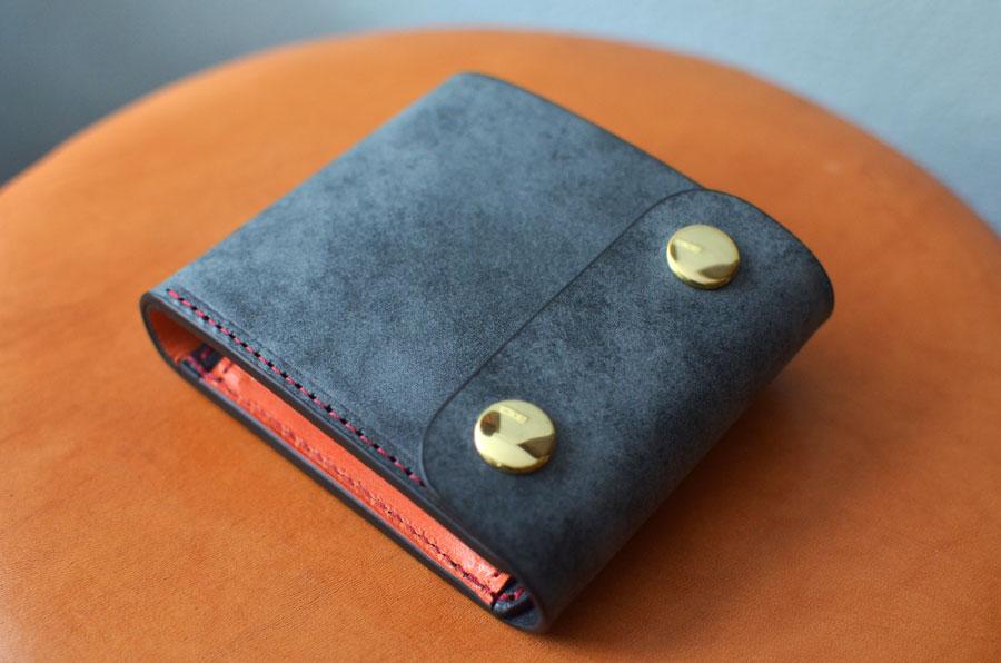 ホック付きショート財布 黒 オレンジ