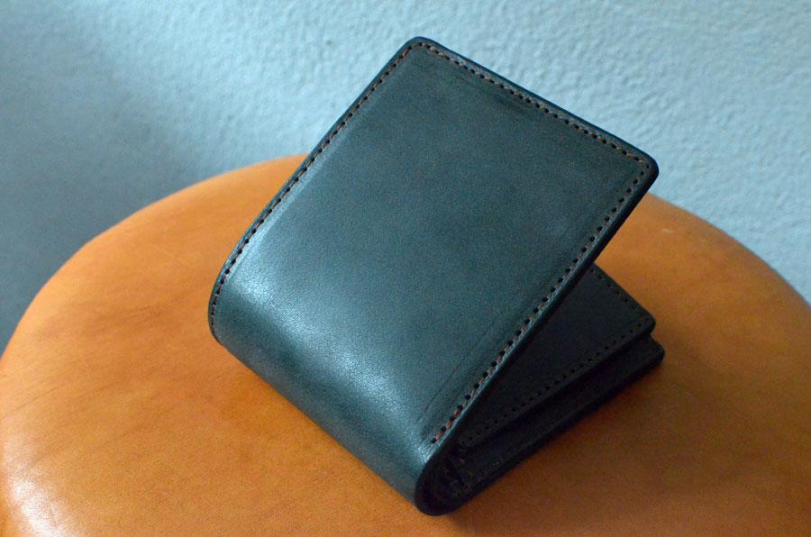 ブルームレザーグリーン 二つ折りBOX財布