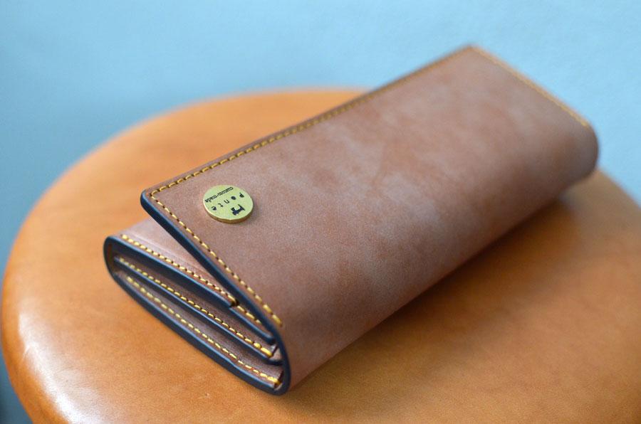 クラッチ財布 ブラウン