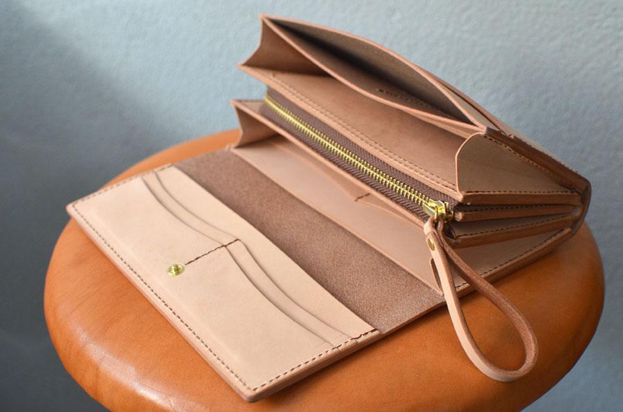 ヌメ革 小銭が見やすいクラッチ財布
