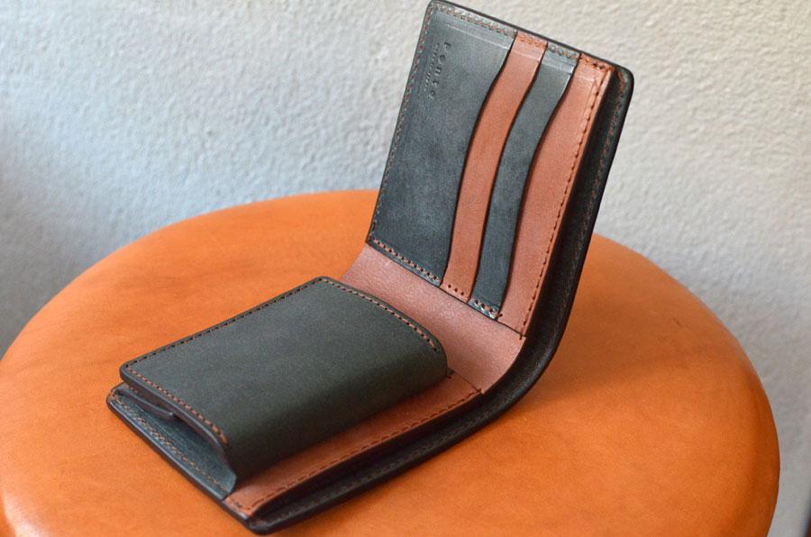 二つ折りBOX財布